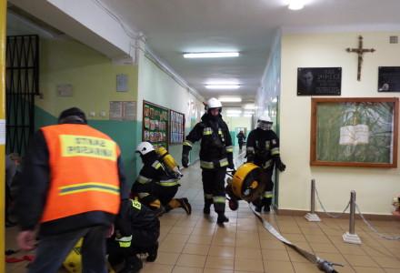 Ćwiczenia ewakuacyjne w Zespole Szkół w Markuszowie
